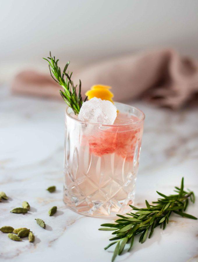 Kardamom, Gin und Grapefruit