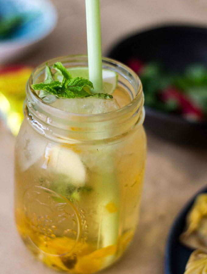 Grüner Tee-Limetten-Drink