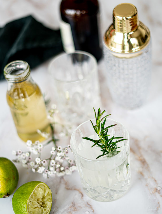 Holunder Gin Spring Drink